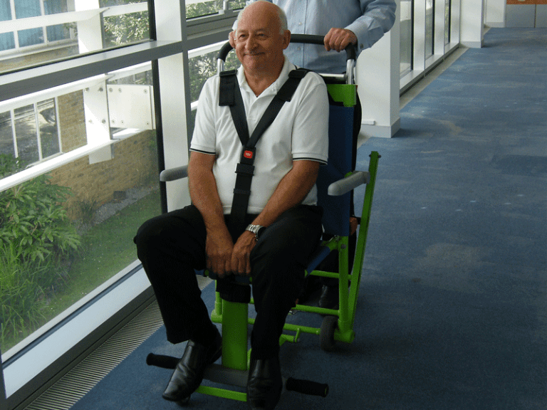 Evacuation Chair Excel, transporting patient along flat surface