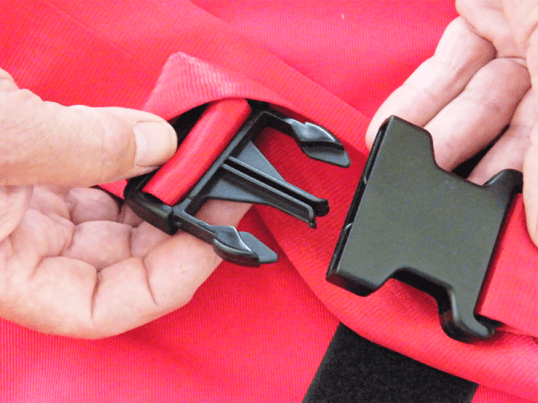 Evacuslider safety clips